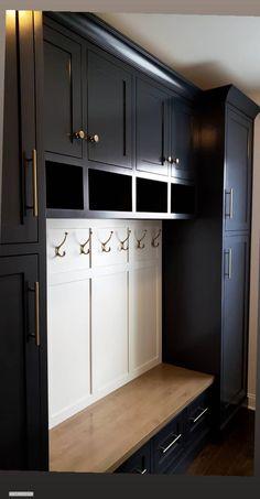 Mudroom Cubbies, Mudroom Cabinets, Mudroom Laundry Room, Laundry Room Design, Mudroom Storage Bench, Mud Room Garage, Mud Room Lockers, Garage Lockers, Laundry Room With Storage