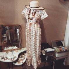 Amazing vintage seventies floral dress  $69, @belezavintage African wood bead necklace $47 & @belezavintage picnic straw hat  $30 #vintage #seventies #70s #70sfashion #70sdress #floral #wood #African #woodbead #vintagenecklace #amazing #straw #strawhat #sweet #pretty