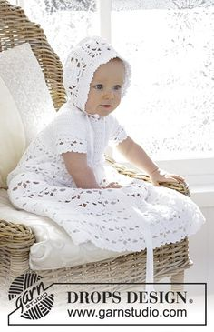 So Charming / DROPS Baby - The baby set is made up of: Dress for Christening or special occasions, worked top down with raglan and open fan pattern in DROPS Safran. Crochet hat with flower squares and fan edge in DROPS Safran. Crochet Baby Dress Free Pattern, Crochet Baby Bonnet, Crochet Hats, Crochet Dresses, Drops Design, Baby Christening Gowns, Christening Outfit, Baby Patterns, Knitting Patterns