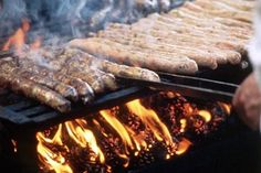 Coburger bratwurst being grilled over pinecones, as is tradition Bavarian Food, Bavarian Recipes, Austrian Recipes, German Recipes, Charcuterie, Meat Recipes, Grilling, Food And Drink, Germany