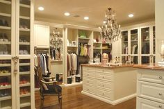 i can't even imagine having a closet like this!!