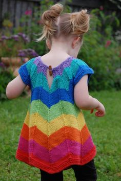 super cute knitted rainbow chevron dress sizes 18 months - 6 years. Would love to make this for one of my daughters