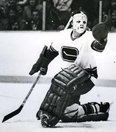 Ice Hockey Teams, Hockey Goalie, Hockey Players, Goalie Mask, Western Conference, San Jose Sharks, Vancouver Canucks, Sports Figures, National Hockey League