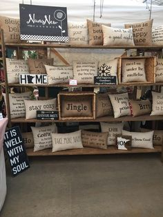 Craft Show Booths, Craft Booth Displays, Craft Show Ideas, Fall Craft Fairs, Market Displays, Store Displays, Money Making Crafts, Crafts To Sell, Stand Feria