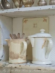 Rare Vintage Syrup Jars - via My Little White Home by Nadine: Stroopkannetjes… Antique Kitchen Decor, Farmhouse Kitchen Decor, Vintage Shabby Chic, Vintage Farmhouse, French Vintage, White Houses, Little White, Cool Rooms, Cottage Style