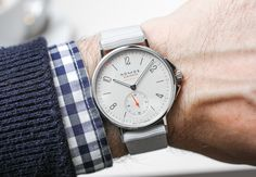 Hands-On with the Nomos Ahoi Neomatik in 4 colorways. Featuring their famous Bauhaus dial design, luminous hands and markers and a screw-down crown. In the back you have a open case back where you can admire the in-house movement - DUW 3001.