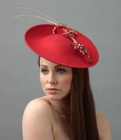 The Nigella dish hat is made up of a felt dish base, adorned with a crystal encrusted twirl. Two delicate quills are threaded through the twirl to finish. Millinery Hats, Fascinator Hats, Fascinators, Black Fascinator, Red Hat Society, Ascot Hats, Fall Hats, Accesorios Casual, Wearing A Hat