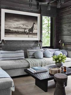 Step inside an interior designer's stunning Canadian cabin oasis filled with travel-inspired details. Log Cabin Living, Log Cabin Homes, Home Living Room, Living Room Decor, Log Cabin Furniture, Modern Rustic Homes, Rustic Room, Cozy Room, Modern House Plans