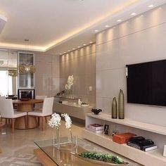Tons neutros iluminação bem planejadas e muita inspiração no espaço by Estudio AE. Amei! Via @maisdecor_ www.homeidea.com.br Face: /homeidea Pinterest: Home Idea #bloghomeidea #olioliteam #arquitetura #ambiente #archdecor #archdesign #projeto #homestyle #home #homedecor #pontodecor #homedesign #photooftheday #love #interiordesign #interiores #paineltv #picoftheday #decoration #revestimento #decoracao #architecture #archdaily #inspiration #iluminacao #regram #home #casa