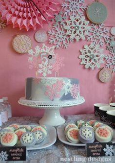 I am SO excited to share with you all the pretty little details that went into the snowflake party we threw two weeks ago! Hope you are rea. Winter Birthday Parties, Winter Parties, Frozen Birthday Party, 1st Birthday Girls, Birthday Fun, Birthday Party Themes, Birthday Ideas, Golden Birthday, Fourth Birthday