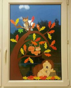 Terrific Snap Shots preschool crafts september Suggestions This website provides SO MANY Kids crafts that are acceptable for Toddler plus Tots. I thought it was period to take t Fall Window Decorations, Fall Classroom Decorations, Decoration Creche, School Decorations, Fall Decor, Fall Arts And Crafts, Easy Fall Crafts, Fall Crafts For Kids, Art For Kids