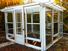 Upcycling old windows and doors to make a garden dream come true! Upcycling old windows and doors to Old Window Greenhouse, Outdoor Greenhouse, Cheap Greenhouse, Backyard Greenhouse, Greenhouse Ideas, Portable Greenhouse, Shed Windows, Windows And Doors, Rustic Greenhouses