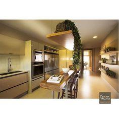 Cozinha moderna e sofisticada // Sofisticated and modern kitchen. #arquitetura #architecture #design #instadesign #decoracao #decoração #instagood #inspiração #decor #nature #getinspired #homedesign #interior #interiordesign #instadecor