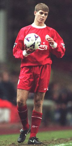 Stevie G during his Liverpool debut. #LFC