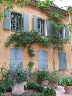 COUNTRY HOME, blue shutters, Domaine de la Baume. Tourtour, Provence, France.