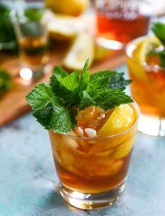 bourbon mint iced tea I howsweeteats.com