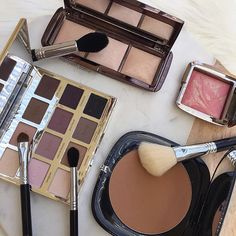 Today's Palettes & Compacts .. My stand out of these products would have to be the Marc Jacobs Bronzer. The compact is huge, not ideal for travel your excuse could be that you can use the mirror, so it's two-in-one! The colour is a radiant matte finish and blends seamlessly onto the skin  .. @hourglasscosmetics - Ambient Lighting Palette & Ambient Lighting Blush in Luminous Flush @tartecosmetics - Tartelette Amazonian Clay Matte Eyeshadow Palette @marcbeauty - O!Mega Bronzer Perfect Tantr...