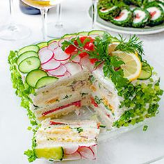 Tort kanapkowy Entree Recipes, Vegetarian Recipes, Cooking Recipes, Appetizer Salads, Appetizers, Cake Sandwich, Yummy Drinks, Yummy Food, Kebab