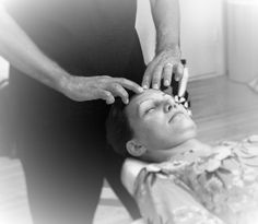 Brain Relief -hoidossa käsitellään lähes koko keho, myös kasvot. Kasvojen hipsuttelu tuntuu taivaalliselta! Kuva: Sonja Sipilä (edit Heli Wigelius) Brain, Face, The Brain, The Face, Faces, Facial