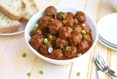 17 CLASSIC SPANISH TAPAS Albondigas Forget Swedish meatballs Spanish meatballs are where its at. Albondigas are a traditional tapas snack . Get the recipe here. Meatball Recipes, Beef Recipes, Cooking Recipes, Crab Recipes, Meatloaf Recipes, Cheese Recipes, Easy Spanish Recipes, Mexican Food Recipes, Authentic Spanish Recipes