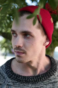 Men's wool Beanie. Red cozy beanie,  fall outfit for Men. Sustainable Beanie by VAI-KØ.