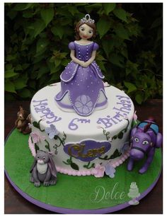 Sofia The First Made this cake with MMF all figurines are edible Sofia The First Birthday Cake, 3rd Birthday Parties, Birthday Ideas, Princess Sofia Cake, Princess Castle, Disney Princess, Princesa Sophia, Disney Cakes, Creative Cakes