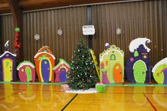 Hey friends!   {WARNING: WAY CUTE THINGS AHEAD}   For our Who-Ville/Grinch party we needed some houses..not just any houses. These needed ...