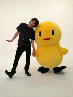 Miyano Mamoru with Piyo-chan ^^