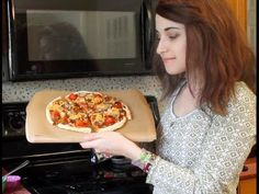 My *famous* vegan pizza recipe! - YouTube