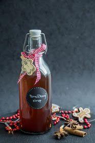 Má to šťávu!: Perníčkový sirup Home Canning, Marmalade, Coffee Bottle, Hot Sauce Bottles, Spices, Food And Drink, Presents, Drinks, Cooking