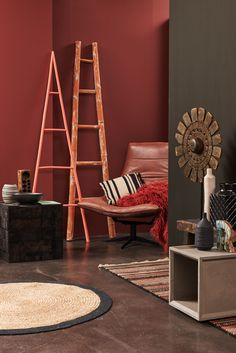 Why Bright Red Home Decor Inspiration is The Way To Go! Warm Bedroom Colors, Bedroom Red, Brown Walls, Red Walls, Red Home Decor, Favorite Paint Colors, Decoration Inspiration, Red Rooms, Piece A Vivre