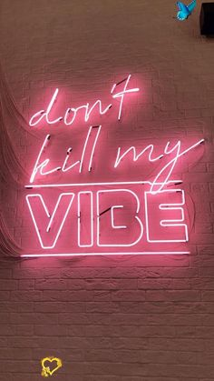 - #planodefundo - #minimaliste #planodefundo - Typography Design #fondd'écran #hintergrund #wallpaper<br> Collage Mural, Bedroom Wall Collage, Photo Wall Collage, Picture Wall, Pink Neon Wallpaper, Aesthetic Pastel Wallpaper, Aesthetic Wallpapers, Sassy Wallpaper, Animal Wallpaper