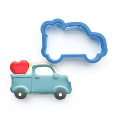 Our high-quality, printed vintage truck with heart cookie cutter comes in 4 sizes! Custom cookie cutters available for any occasion. Cheap Cookie Cutters, Heart Cookie Cutter, Custom Cookie Cutters, Custom Cookies, Farm Cookies, Mini Cookies, Sugar Cookies, Cookies Et Biscuits, Valentines Day Cookies