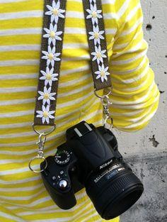 DIY Camera Strap - No more boring black strap - get colorful! Diy Camera Strap, Camera Hacks, Camera Gear, Camera Case, Film Camera, Handmade Christmas Gifts, Holiday Gifts, Christmas Crafts, Mellow Yellow
