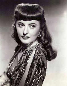 Barbara Stanwyck (1940s).