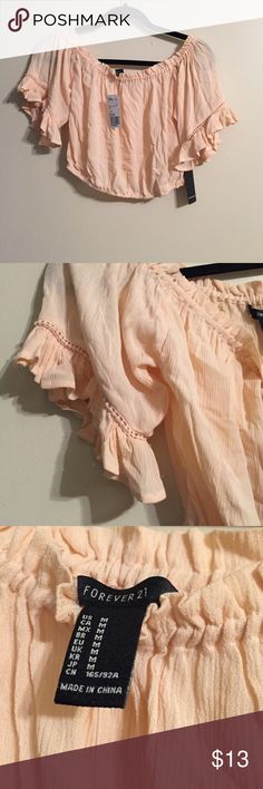 Beautiful off the shoulder top New with tags, the color it blush pink, sooo cute Forever 21 Tops