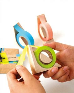 木で切るマスキングテープカッター Hacoa tape dispenser. Designed so you can sharpen with sandpaper.