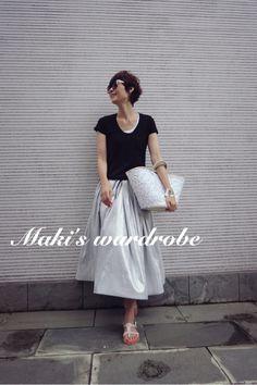 Maki's wardrobe&おもちゃ の画像|田丸麻紀オフィシャルブログ Powered by Ameba Grey Fashion, Modest Fashion, Skirt Fashion, Love Fashion, Fashion Beauty, Fashion Dresses, Womens Fashion, Spring Summer Fashion, Winter Fashion