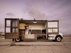 Mobile Pizzeria: Shipping container + Wood burning pizza stove + Food truck + amazing design.     YESSS!
