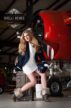 Vintage Helicopters Senior Style Guide - Someone pleassssseeee find a plane so I can do this! Pin Up Girls, Hot Girls, Flight Girls, Airplane Photography, Airplane Art, Pin Up Models, Nose Art, Mode Vintage, Style Guides