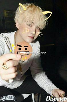 Yoongi neko is giving out Kookies Jimin, Min Yoongi Bts, Min Suga, Taehyung, Min Yoonji, Bts Group Photos, Bts Lockscreen, Daegu, Yoonmin