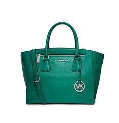 Hello beautiful emerald green Michael Kors bag. #fashion #handbags #michaelkors