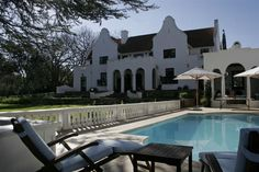 Le Jardin Villa - This magnificent property on a historic Sir Herbert Baker homestead lies in the midst of tranquil vineyards with glorious views of the Stellenbosch Mountains.  Le Jardin Villa has four en-suite bedrooms, ... #weekendgetaways #stellenbosch #southafrica
