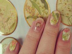 #ネイル #ネイルアート  #セルフネイル  #セルフネイル部  #nail #nails #nailart #nailstagram #naildesign   #beautiful  #fashion  #art #arts #paint #botanical #flower#
