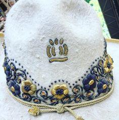 Charro, Western Wear, Westerns, Bucket Hat, Hats, How To Wear, Fashion, Needlepoint, Moda
