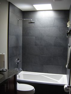 Bathroom in Black and Grey Creating Elegant Bathing Space : Black Greyish Wall In Small But Elegant Bathroom Idea