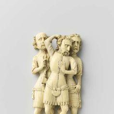 Drie soldaten, behorend tot een geseling van Christus, Meester van de Agrafen (falsification of), 1360  ivory, h 13cm More details 14th Century Clothing, Statue, Art, Soldiers, Art Background, Kunst, Performing Arts, Sculptures, Sculpture
