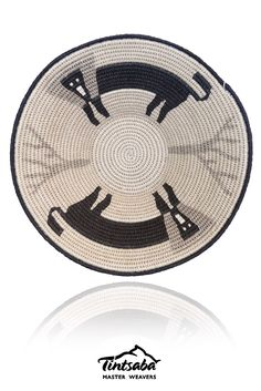 16 cm craft grade sisal handwoven basket by Tintsaba in Swaziland. Contemporary Jewellery, Sisal, Paper Art, Hand Weaving, Decorative Plates, Mixed Media, Basket, Collage, African