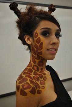 giraffe. by nikkiisabelle, via Flickr