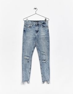 Ripped Skinny Fit jeans. Discover this and many more items in Bershka with new products every week